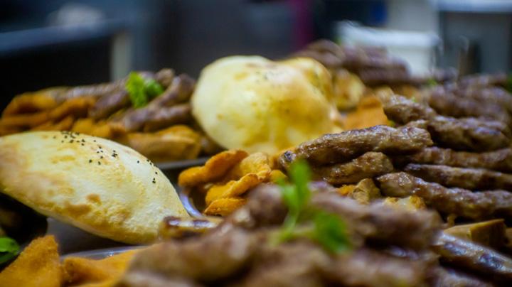 iistudio nudi fotografisanje hrane radi promocije na drustvenim mrezama